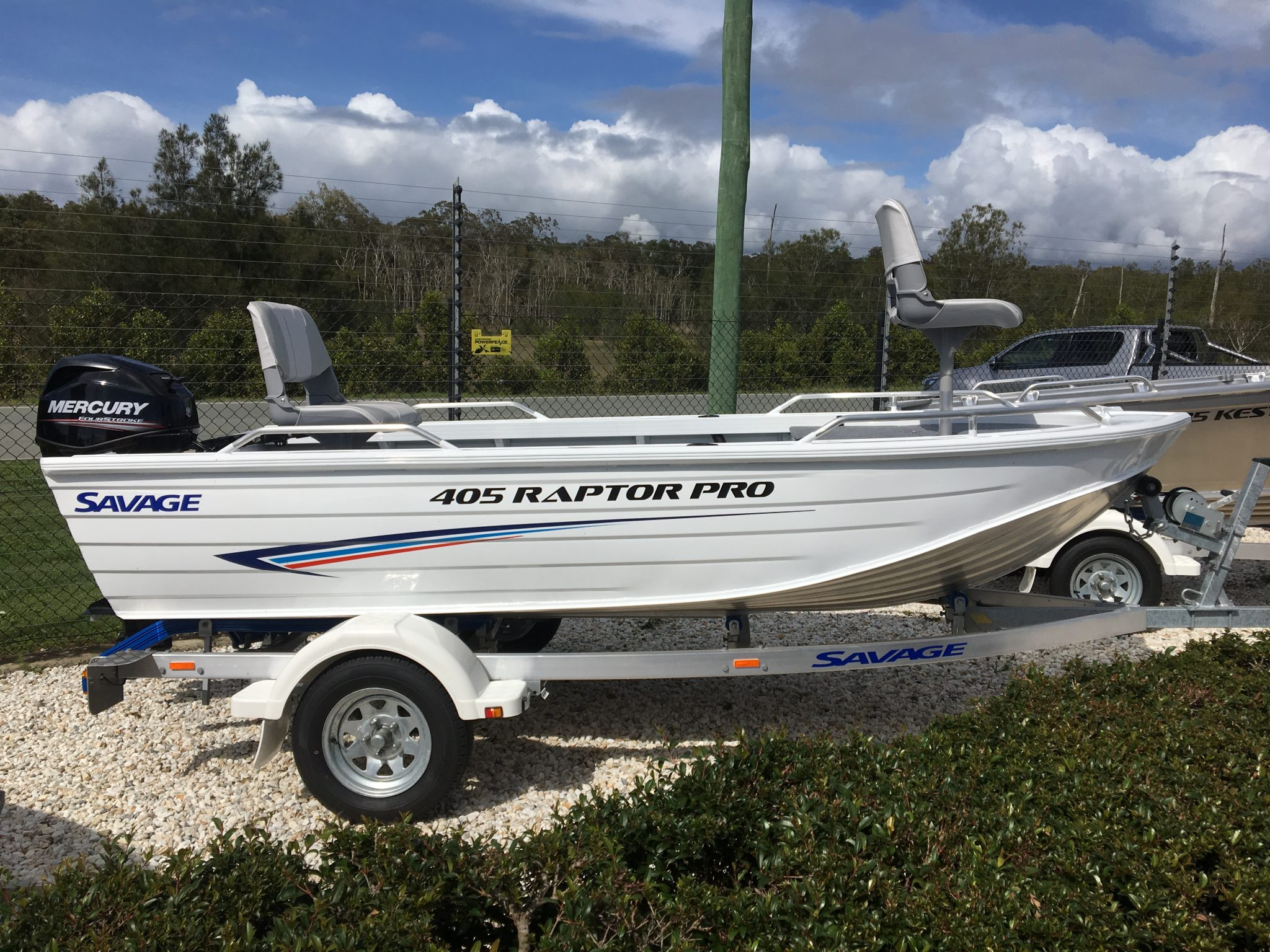 Savage 405 Raptor Pro + Mercury 30hp EFI Fourstroke